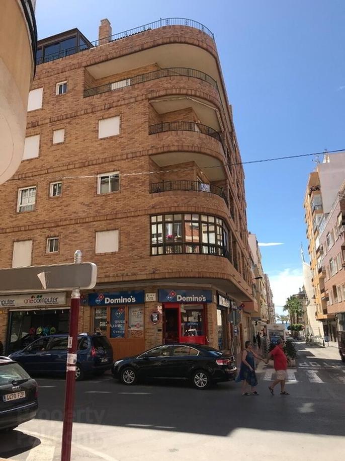 2d El Trini, 112 Calle Ramon Gallud, Torrevieja, Spain